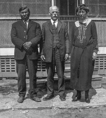 MLA photo of Standingelk (Vohokass), Rodolphe Petter and Bertha Kinsinger Petter at Lame Deer, Montana